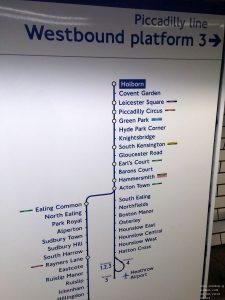 Piccadilly Line Infotafel in der Underground