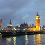House of Parliament und Big Ben beleuchtet