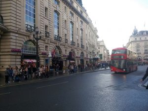 Auf dem Piccadilly Circus angekommen