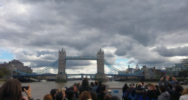 London Eye River Cruise Bootsfahrt auf der Themse zur Tower Bridge