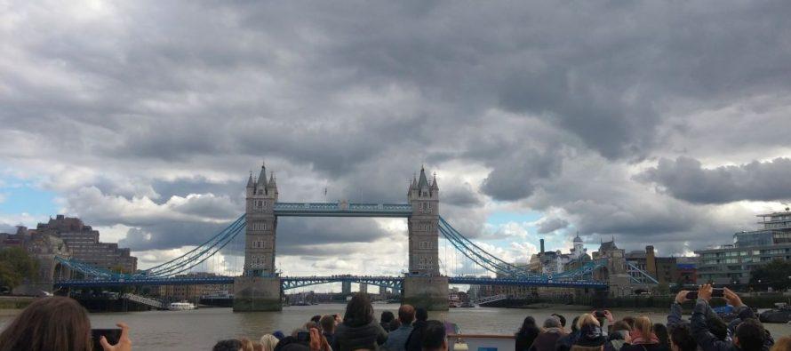 London Eye River Cruise Bootsfahrt auf der Themse zur Tower Bridge