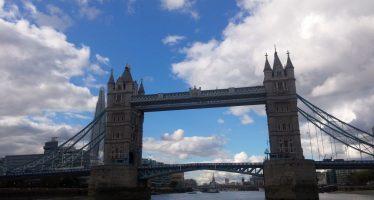 Tower Bridge – Brücke über die Themse beim Tower of London