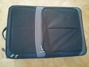 Nur ein Koffer und 2 x Handgepäck