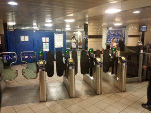 Passenger Validators an den Entry / Exit Gates der U-Bahn